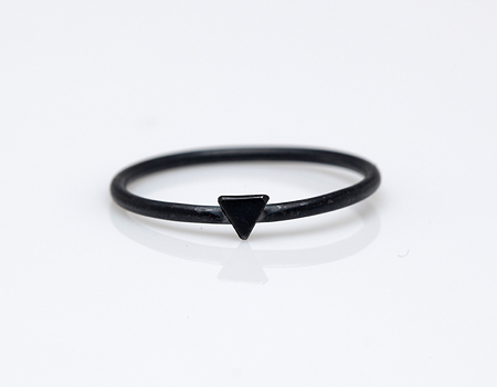 Stone & Honey Black Oxidized Tiny Triangle Ring